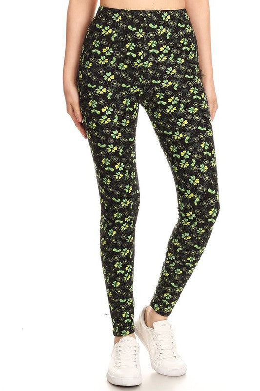 Field of Clovers - Women's Plus Size Leggings with Yoga Band