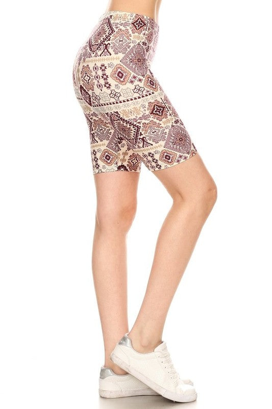 Aztec Art - Women's Plus Size Shorts