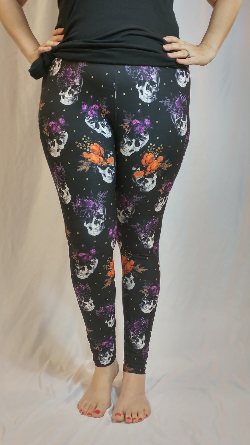 Pretty Pretty Skulls - Women's One Size Leggings