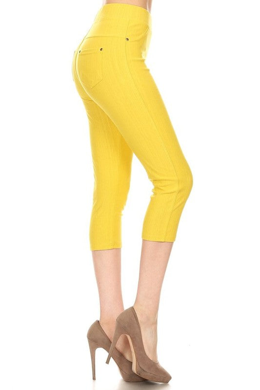 Fashionista Capri Jeggings - Women's Plus Size in Mustard