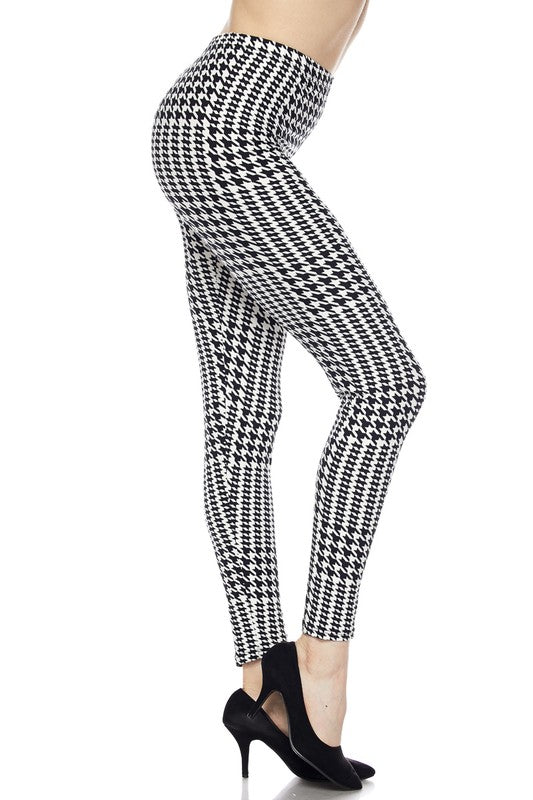 Checkered Past - Women's Plus Size Leggings