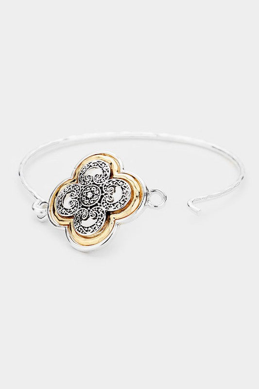 Metal Filigree Quatrefoil Hook Bracelet