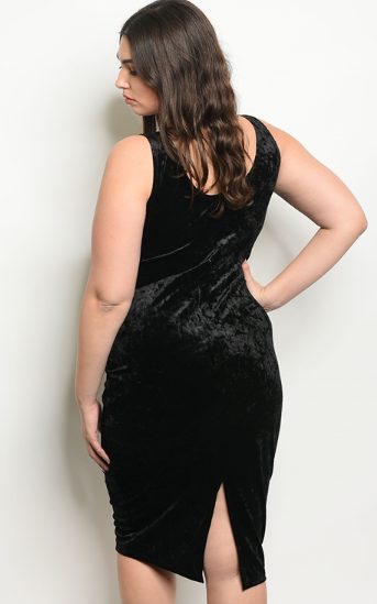 The Vanessa - Women's Plus Size Velvet Dress