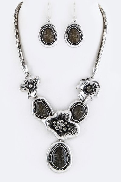 Metal Flower & Oval Statement Necklace Set