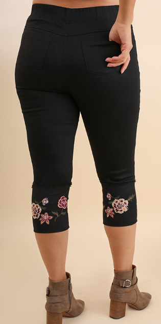 Floral Embroidered Stretch Jeggings in Black - Women's