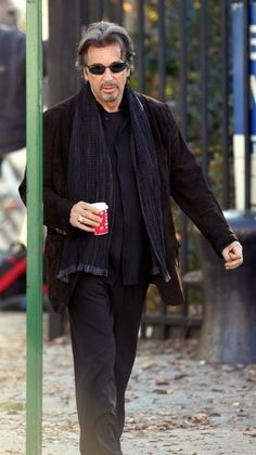 al pacino dressed in dark colors