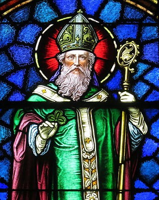 st. patrick the holy trinity and the three leaf clover