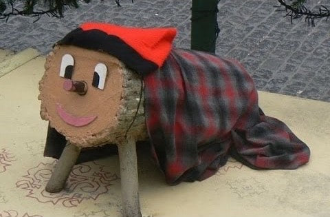 Tia de Nadal Spain holiday tradition