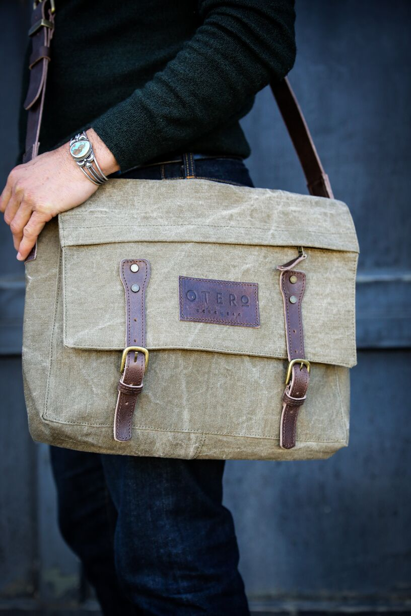 otero olive messenger bag