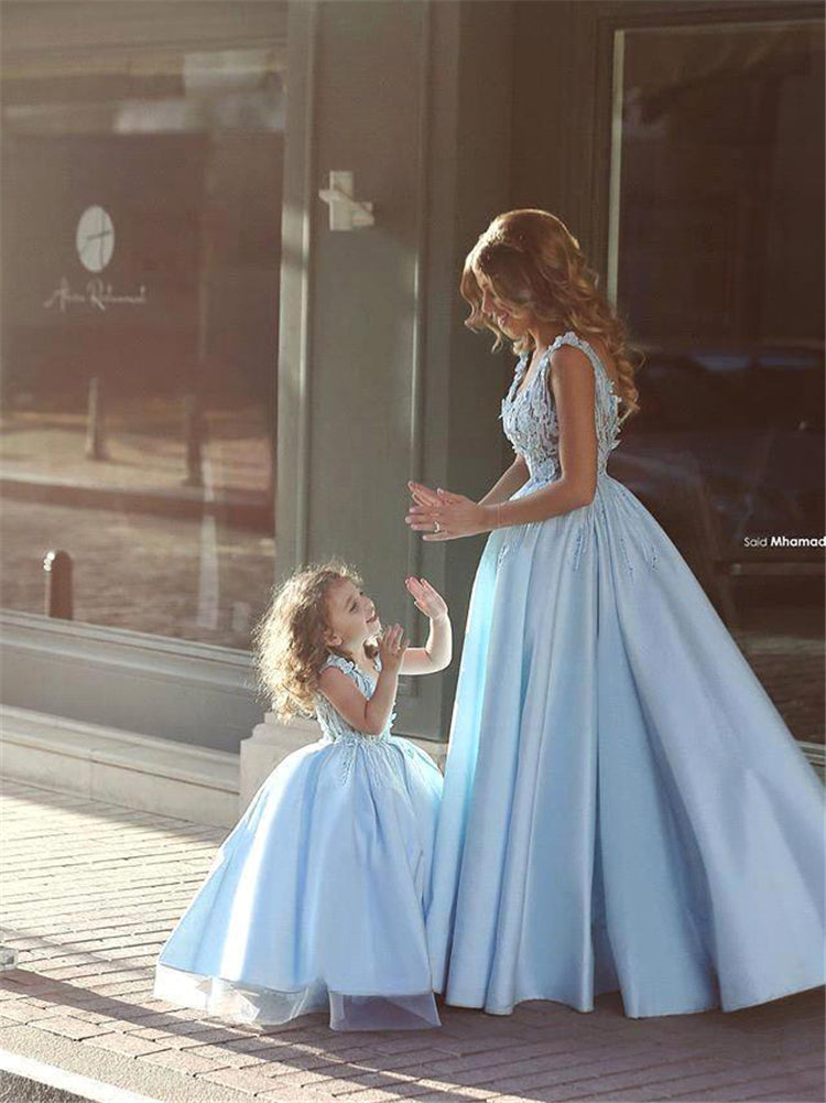 a2e03bada34dd Matching Mother Daughter Clothes Dress Party Mom And Daughter Dress Wedding  Formal Clothes Mother Kids Matching Elegant Dresses