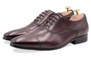 Calafate Straight Cap Burgundy Oxford