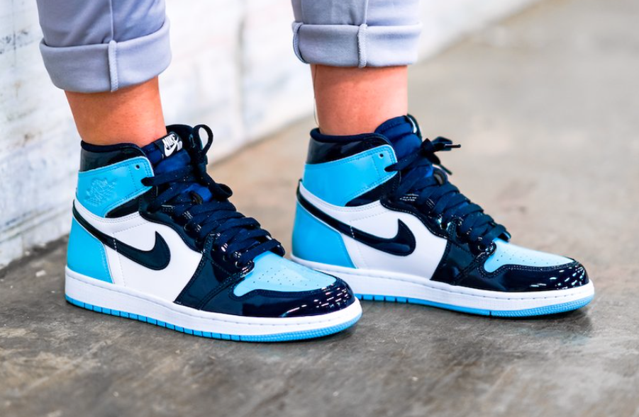 Air Jordan 1 women's Retro High OG UNC Patent (Blue Chill)🥶