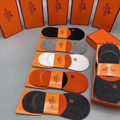5 pair Hermes Luxury no show Socks Box included