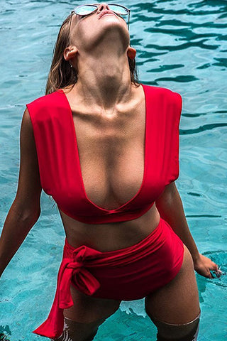Knotted Front High Waist Plunged Bikini Swimsuit in Red