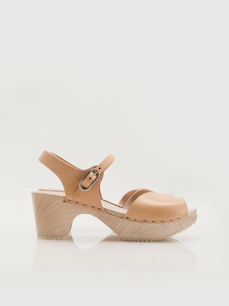 Willa Clogs Natural - Size 9