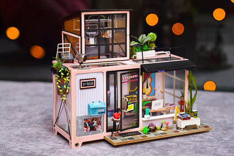 Bachelor studio miniature crafting kit