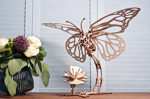 Mechanical Butterfly Model kit in action