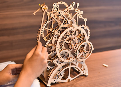 Mechanical Pendulum Wooden Clock Building Kit Puralty