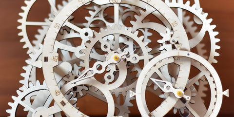 Mechanical pendulum clock gears