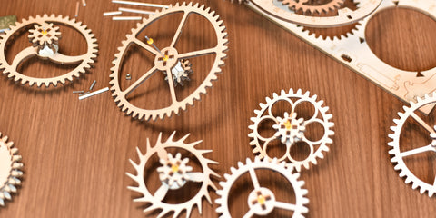 Mechanical clock power gears