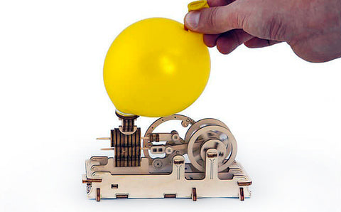 Pneumatic Engine with Balloon