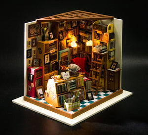 Sam's Miniature Study Room