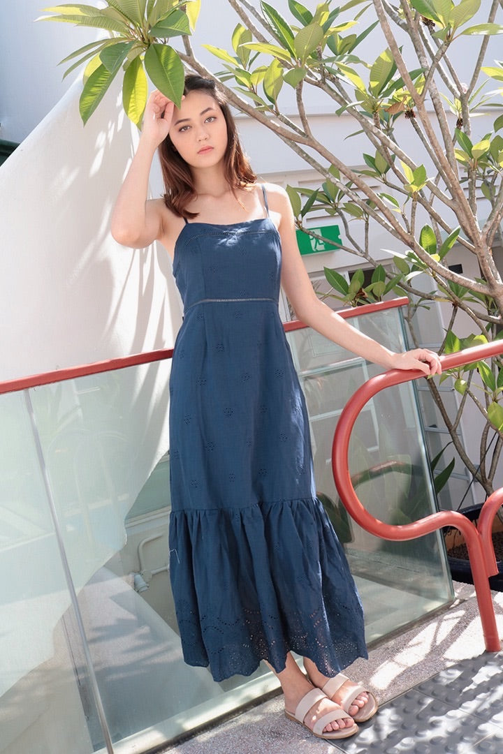 ALESSE CROCHET MAXI DRESS (NAVY)
