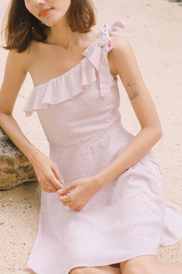 SWISS DOT TOGA RUFFLE DRESS (MAUVE CHALK)