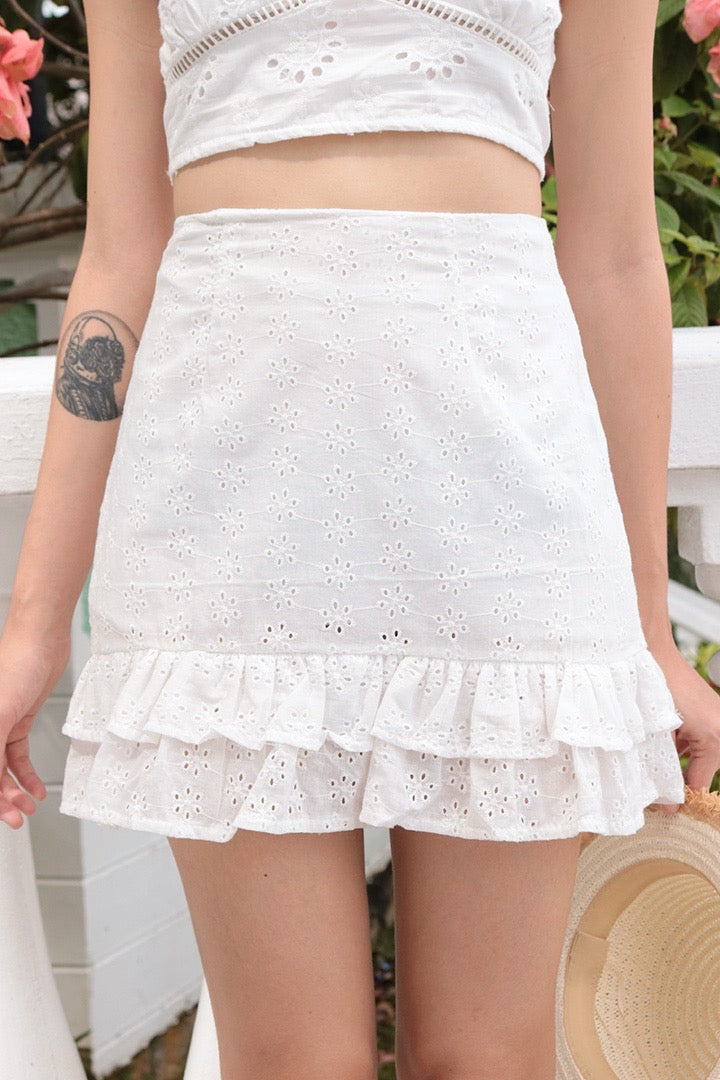 MERMAID RUFFLE EYELET SKIRT (WHITE)