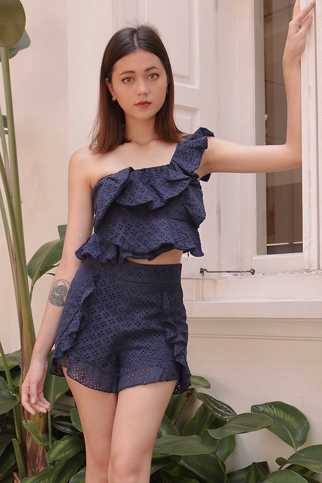 ARISIA FLUTTER TOGA TOP (NAVY)