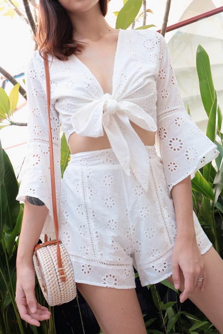 AIDA EYELET TOP (WHITE)