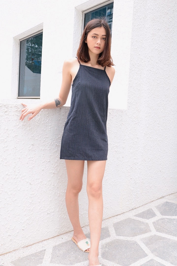 PINSTRIPES SHIFT DRESS (NAVY)
