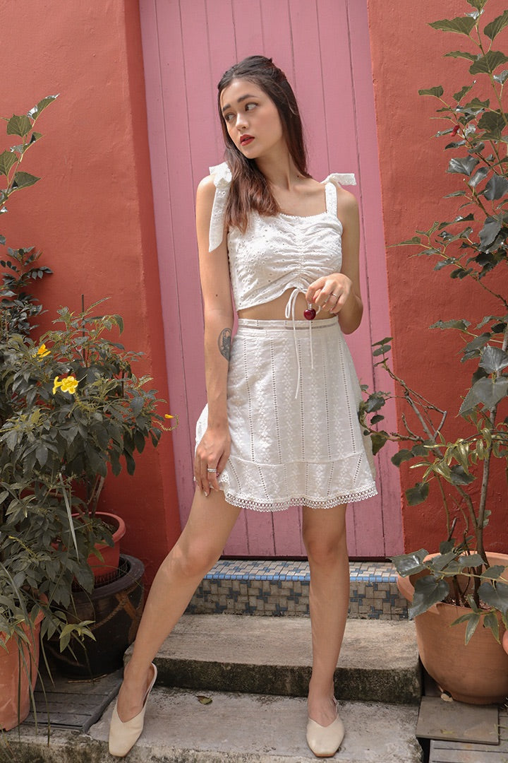 KIA EYELET SWING SKIRT (WHITE)