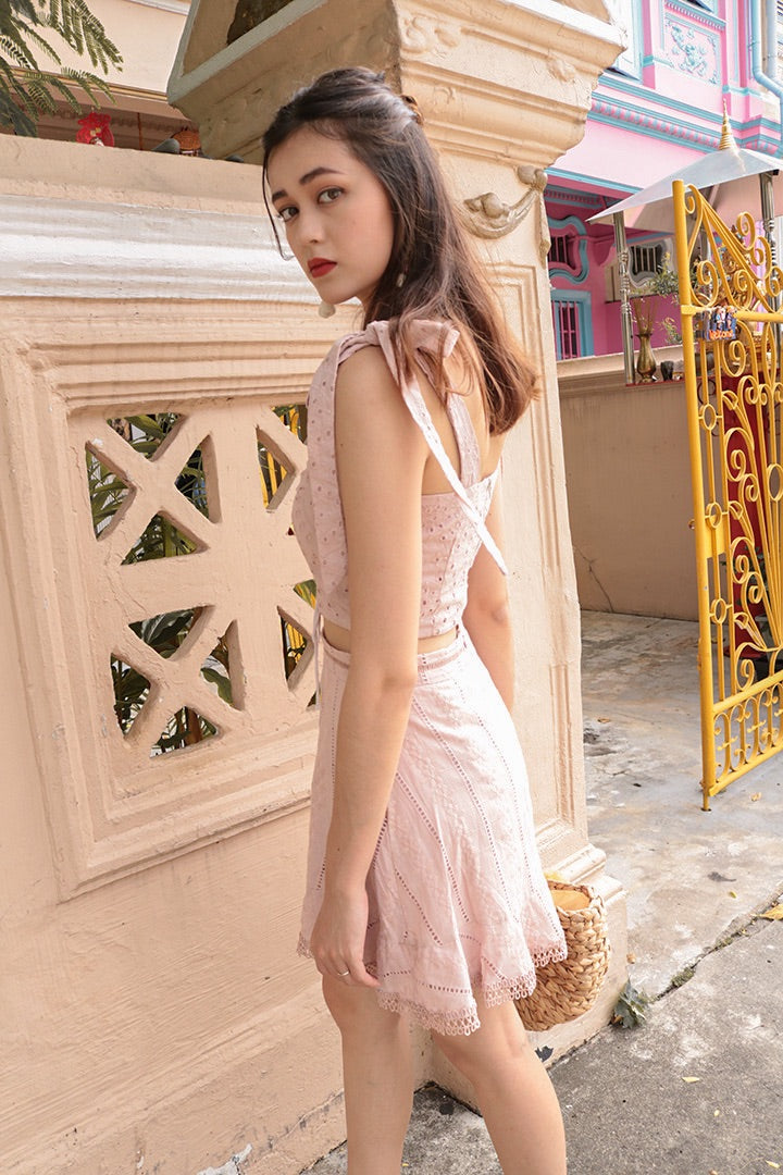 DANNA EYELET RUCHED CROP (BLUSH)
