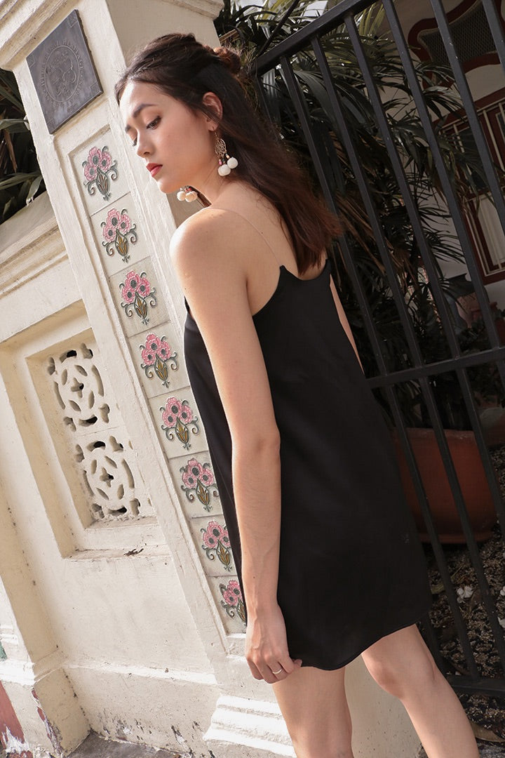 DORAMA BASIC TOGA DRESS (BLACK)