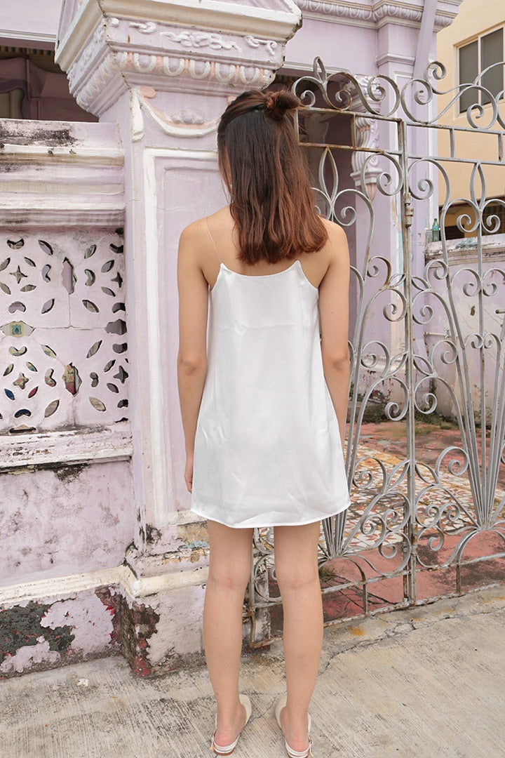 DORAMA BASIC TOGA DRESS (WHITE) *LAST PC*