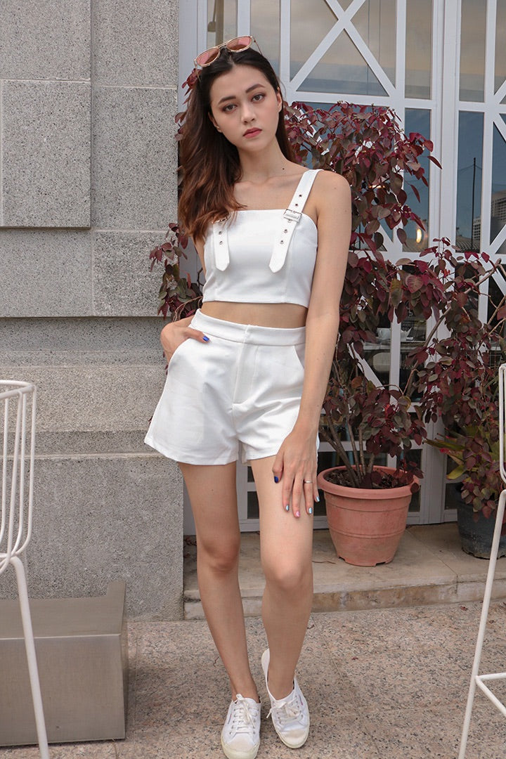 IRIS BUCKLE CROP TOP (WHITE)
