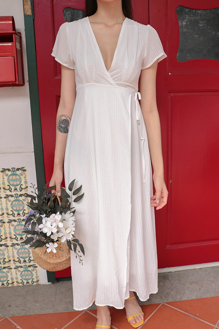 AURA V FRONT MAXI WRAP DRESS (WHITE)
