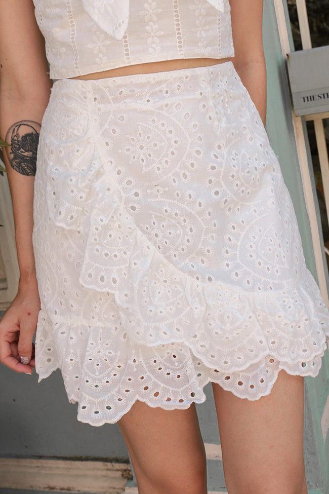 ASHE EYELET SCALLOP SKIRT (WHITE)