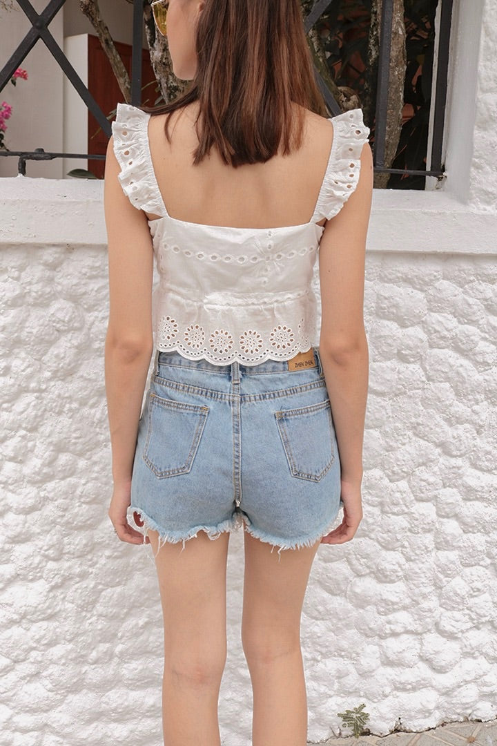 VELDA EYELET BUTTON TOP (WHITE)