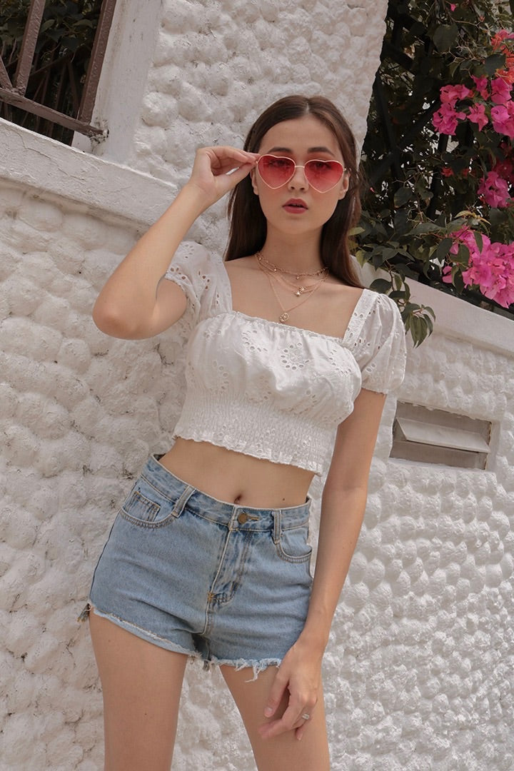 ELLIE EYELET PUFF CROP (WHITE)