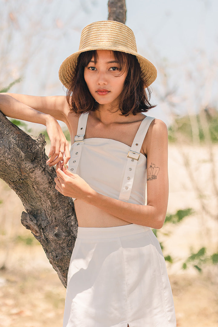 AKILA BUCKLE CROP TOP (WHITE)