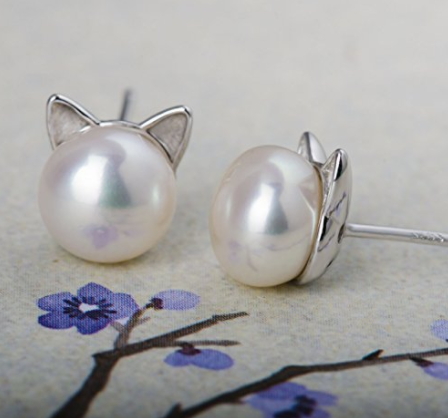CAT EAR PEARL STUD EARRINGS