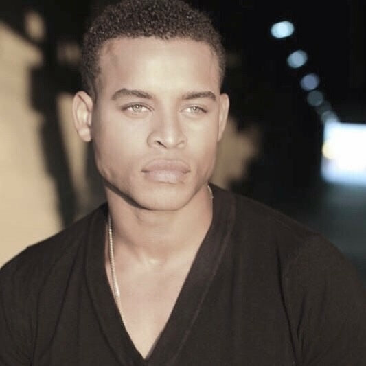 🤳 The way I imagine Matthew Williams was the night it began again in #TheWatchSeeker. Be among the first to to know what happens next as it's written on #Wattpad at bit.ly/earbook2 #DreamCast #RobertRichard #AmWriting