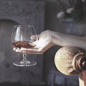 🍷 Visual #inspo for when the temptress makes her entrances in Chapter II of #TheWatchSeeker.⠀ Be among the first to read it as it's written live on #Wattpad at bit.ly/earbook2⠀ #AmWriting #Author