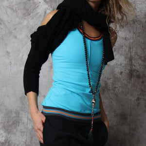 Omora yoga tank top in organic cotton from prancing Leopard - Turquoise - styled