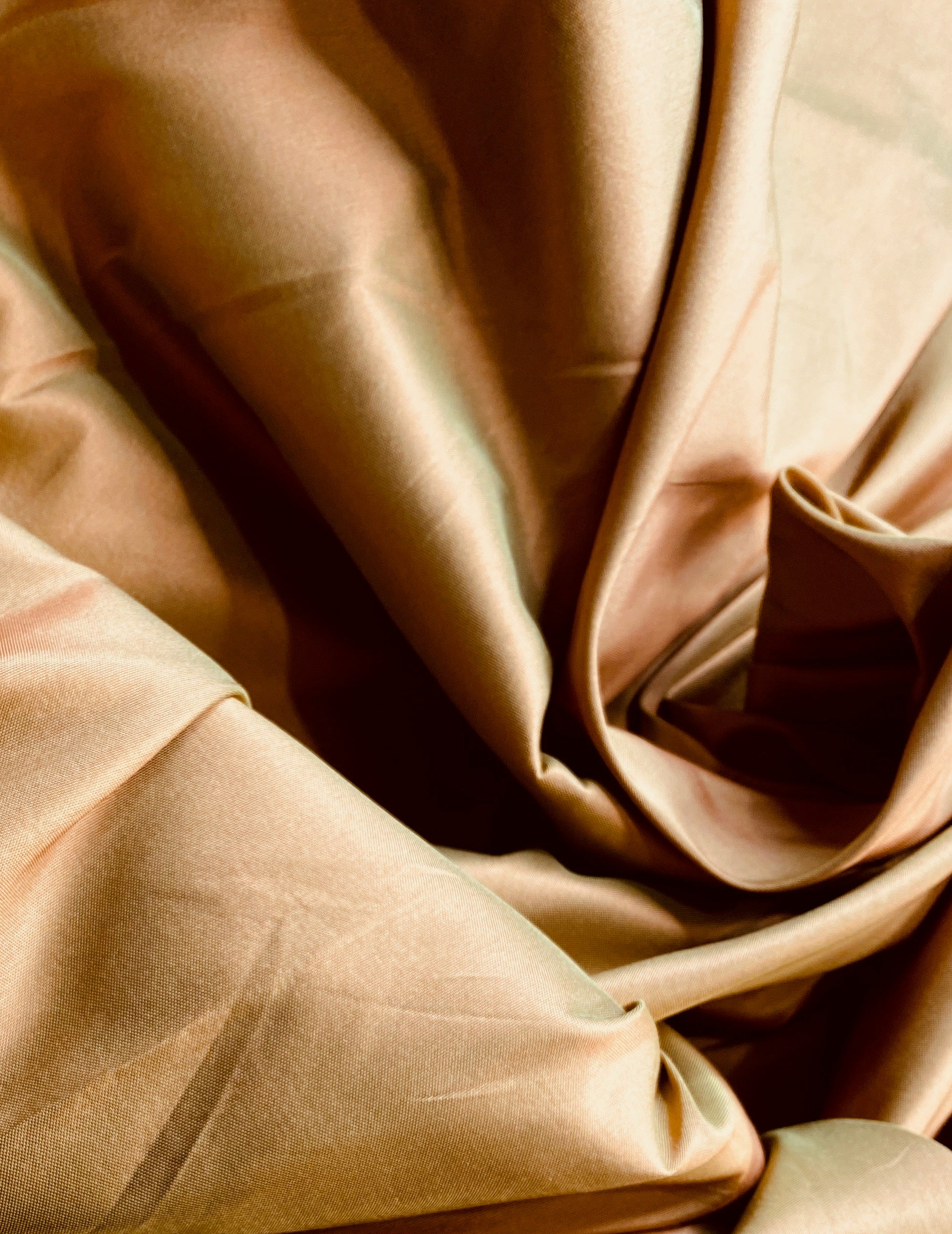 NEW Lady Lisa Designer 100% Silk Taffeta Fabric in Electric Peach with Electric Green Iridescence