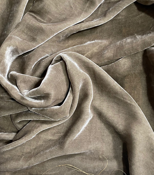 NEW Lord Greggory Designer Runway Silk Rayon Velvet in Taupe Gray