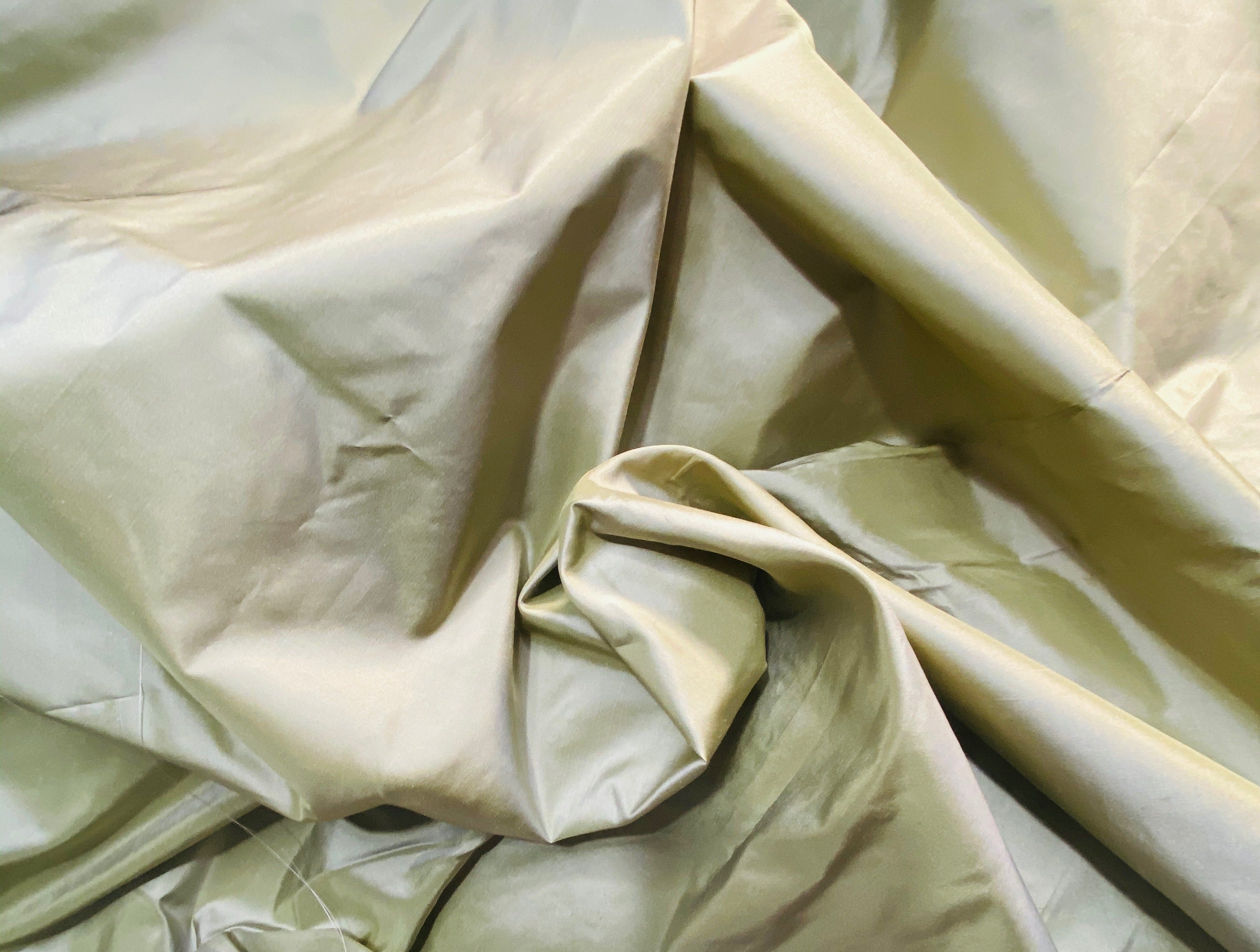 NEW Lady Lisa 100% Silk Taffeta Fabric Solid Icy Pistachio Green