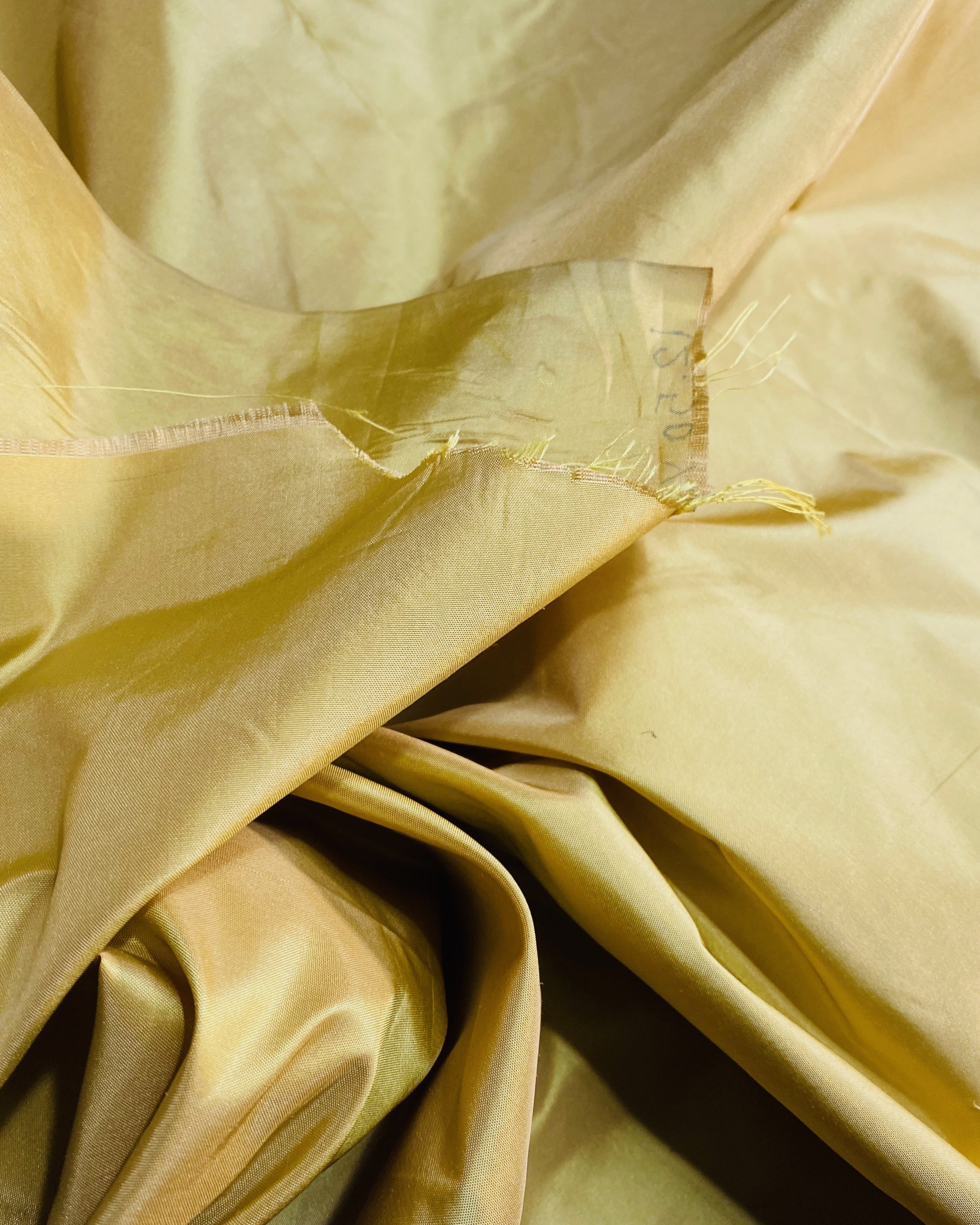 NEW Lady Lisa 100% Silk Taffeta Fabric Solid Icy Yellow Gold